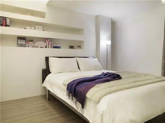 ▼ 卧室的墙面宜用墙纸壁布或乳胶漆,颜色花纹应根据住户的年龄,个人